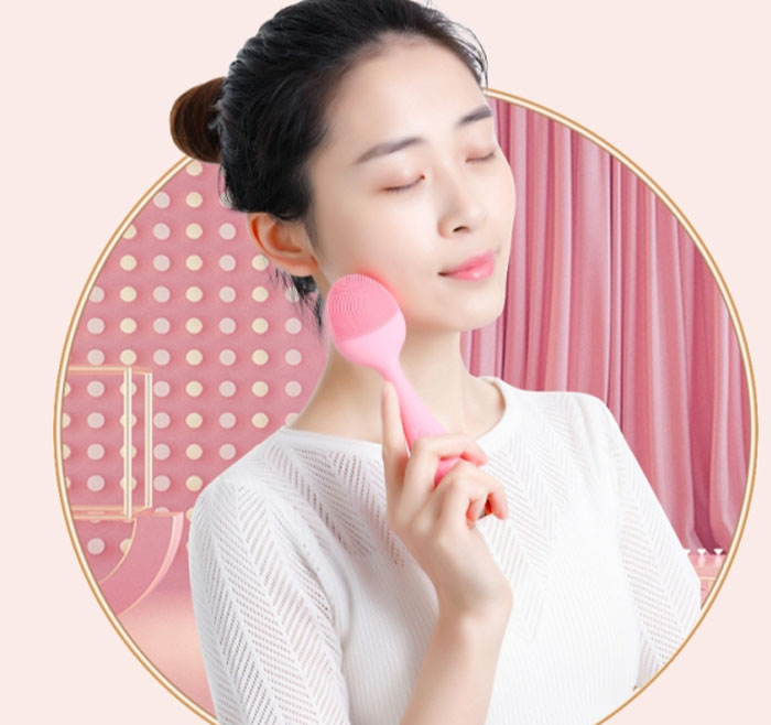 2020 New Arrival Portable Waterproof Electric Face Massager